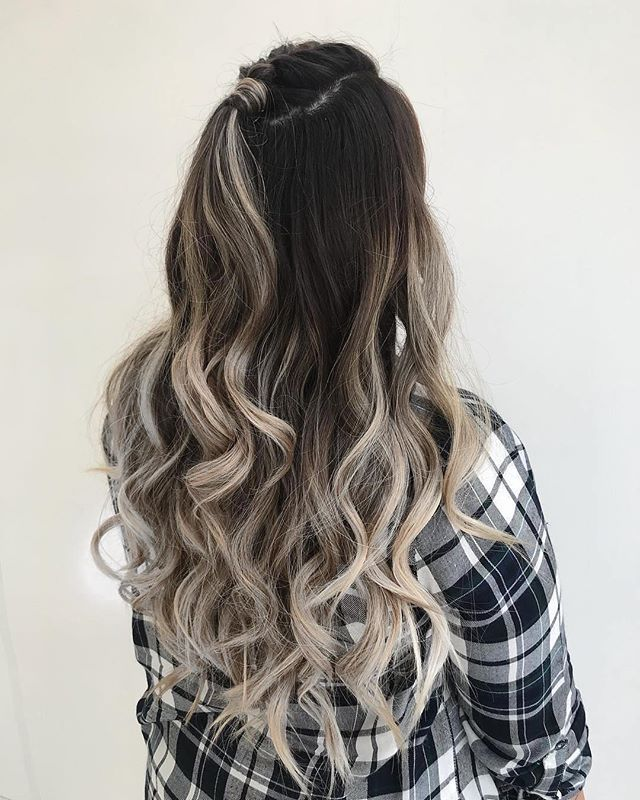 From #technique to #tools @bioionic has the solution to ensure your hard earned and #beautiful #curls are here to stay (#slay)! Featured #hair by @hairbyanasheh