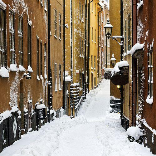 Stockholm - Old Town (by diesmali)