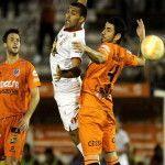 Copa Libertadores: Huracán no pudo con Universitario de Sucre y complicó su futuro