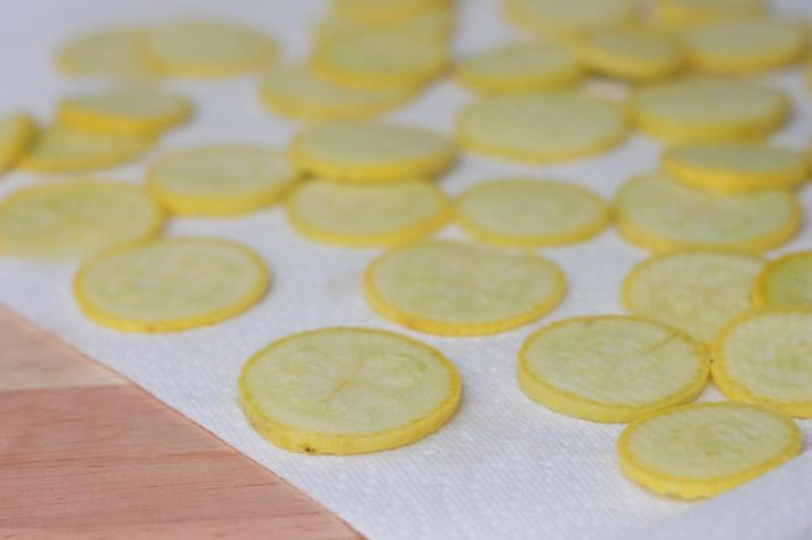 Delighted Momma: Crispy Baked Yellow Squash Chips