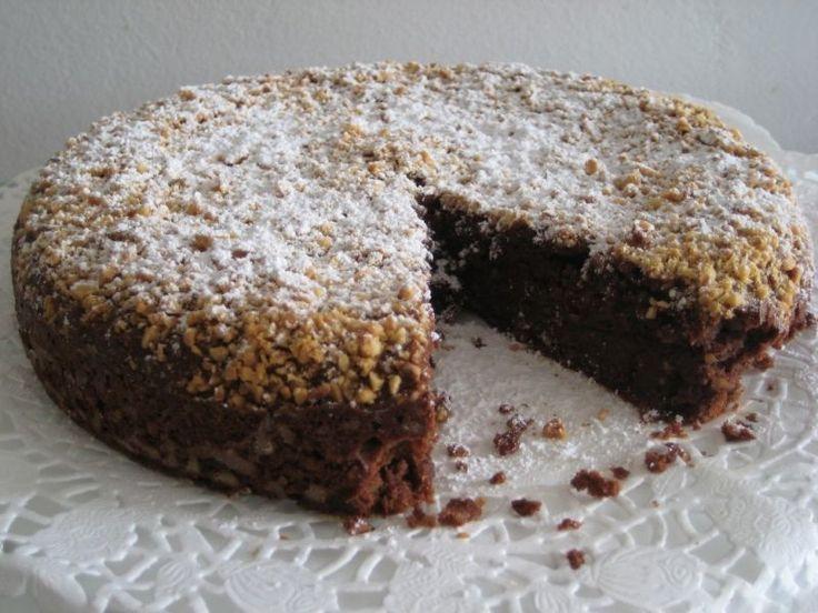 Una torta golosa da provare assolutamente - Ricetta Dessert : Torta al cioccolato e ricotta con mandorle e nocciole da Tebianda