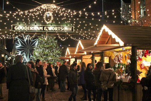 Toronto, ON: Distillery District Christmas Tour