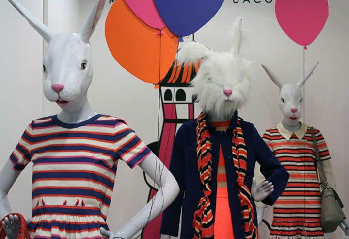 Marc Jacobs Easter display at Selfridges, London visual merchandising / foamboard met afbeelding hoofd paashaas :-)