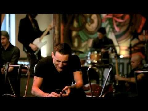 Modà - Sono già solo - Videoclip ufficiale (+playlist) Regia: Gaetano Morbioli Casa di produzione: Run Multimedia