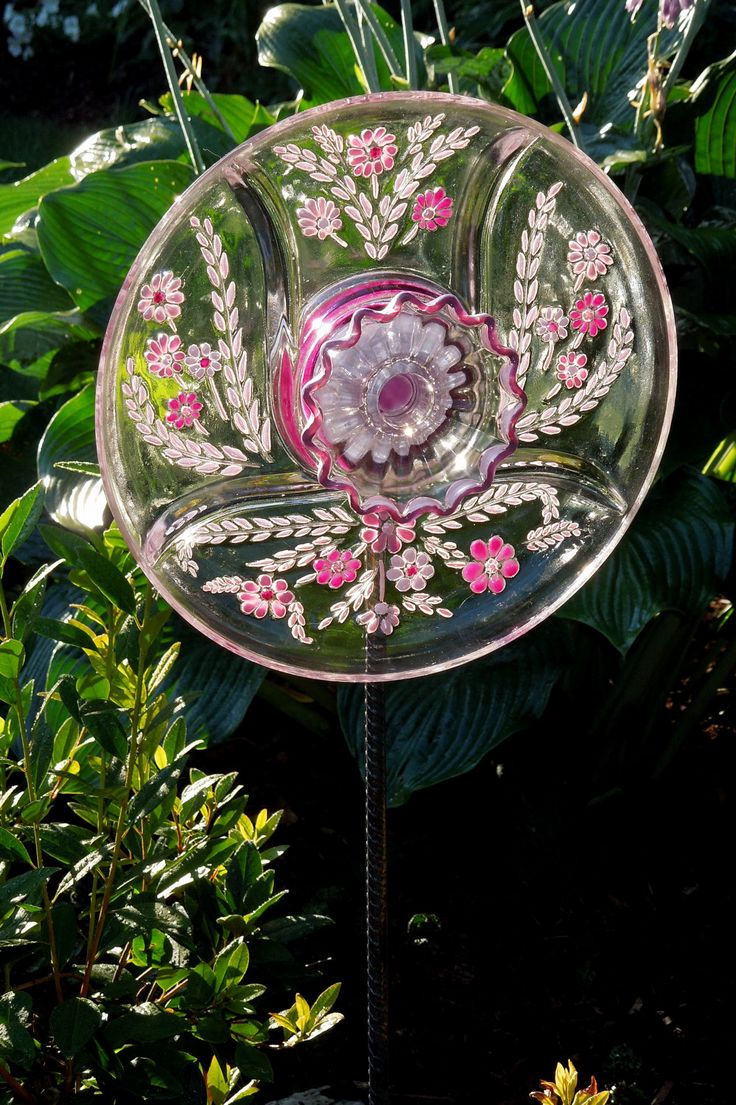 57 best glass plate garden flowers images on pinterest for Flowers made of glass