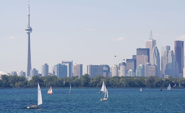 The iconic Toronto skyline.