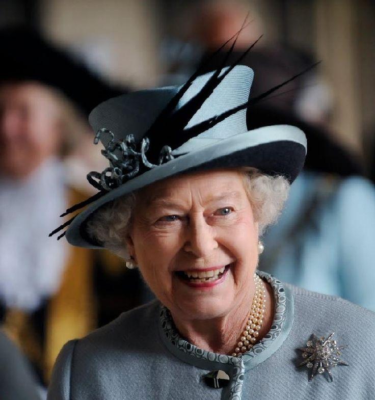 The Queens Hats Pixdaus The Queen 39 S Hats Pinterest