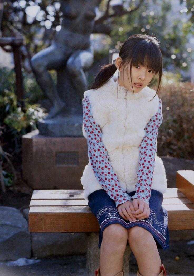 ミニスカート姿の福田麻由子さん