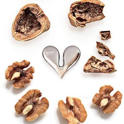 Dziadek do orzechów włoskich Alessi Nut Splitter