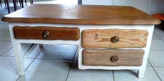 Ty Nido: Une table de salon, deux tons