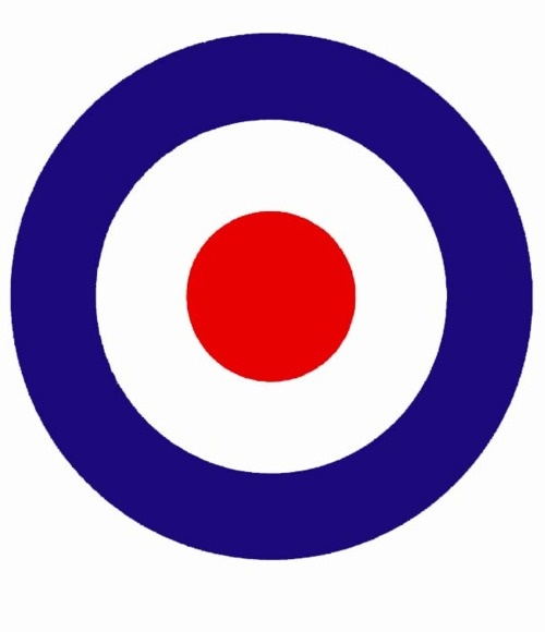 Classic British design, symbol of the Mods and scooters. So clean. Forever England :)