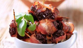Tapas de pruneau et de bacon