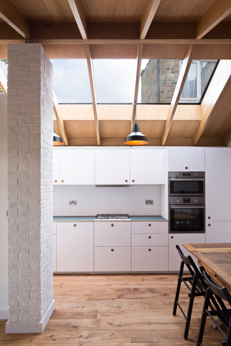 Grey Griffiths Architects completes London extension featuring exposed oak roof structure