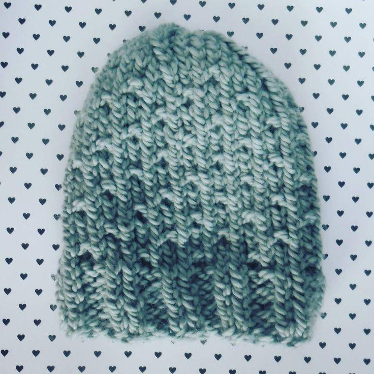 #knitting #knittinginprogress #winter  #knittstagram #hat  #knittedbeanie #beanie #weareknitters #yarn #yarnaddict #wool #merinowool #merinoextrafine #drops #duckegg #igknitters