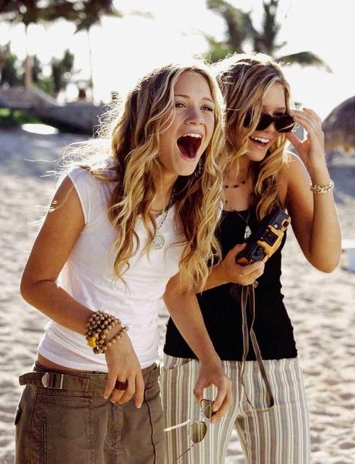 Mary-Kate Olsen[left] & Ashley Olsen[right]