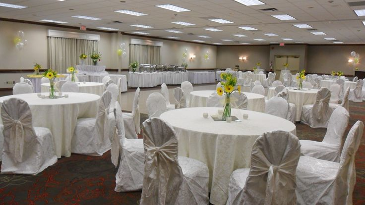 Spring Buffet, Damask Linens - Holiday Inn Burlington Hotel & Conference Centre