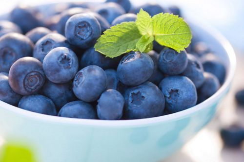 Do you want healthy hair? Add Blueberry to your fruit salad or just a small fruit bowl during snack breaks. Blueberries have vitamin C and it is one of the key of ingredients for healthy hair as it helps keep the hair tissues together.