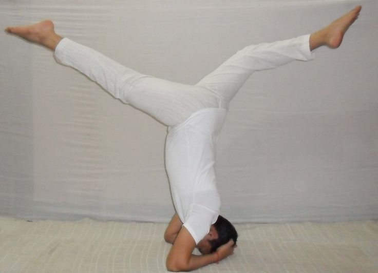 # Open Legs in Head stand Pose,, help  you to make better i balancing pose,this is also the second step of head stand pose,,  do is under guidence of perfect yoga teacher...
