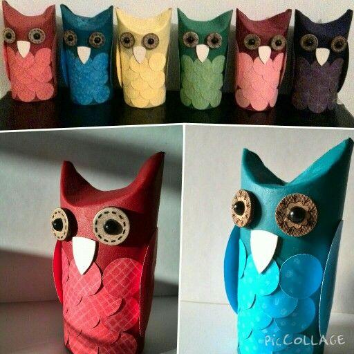 Gör det själv DIY Ugglor Uggla Ugglefamilj Owl Owls Owlfamily Knappar Buttons Papper Paper Pärlor Halvpärlor Pearls Semi pearls Kartong Cardboard Toarullar Toapappersrullar Toiletpaperrolls Toilet rolls Färg Color Colour Paint Pyssel Crafts