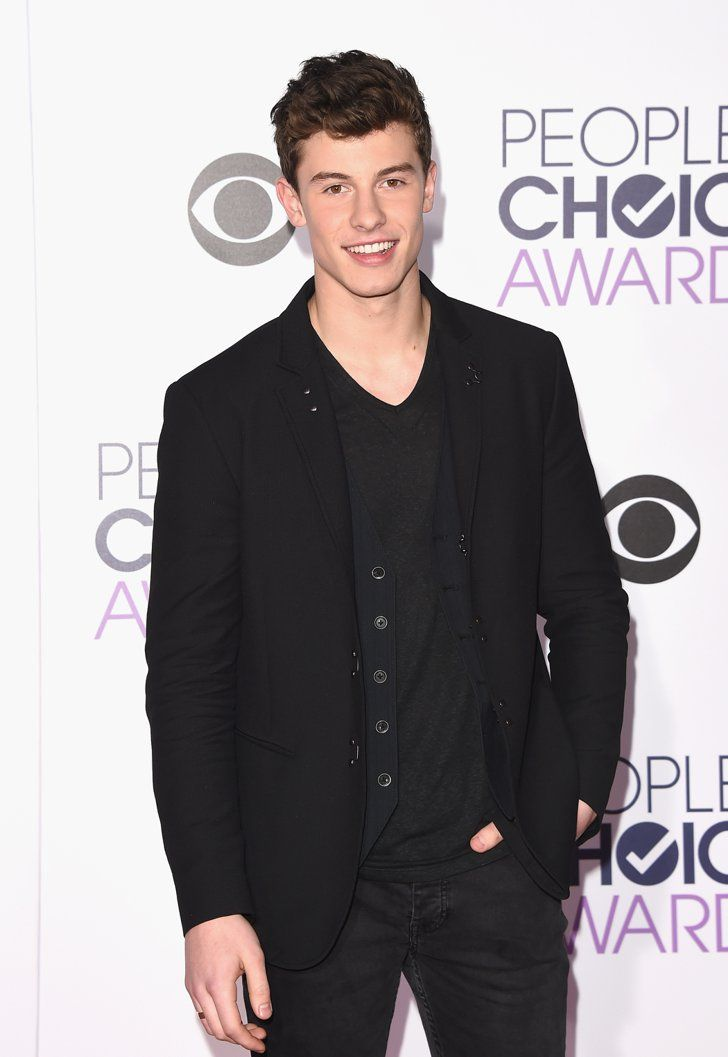 Pin for Later: Les Hommes les Plus Sexy d'Hollywood Se Sont Tous Rendu aux People's Choice Awards 2016 Shawn Mendes