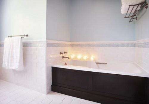 Black trim bath tub? Count me in!