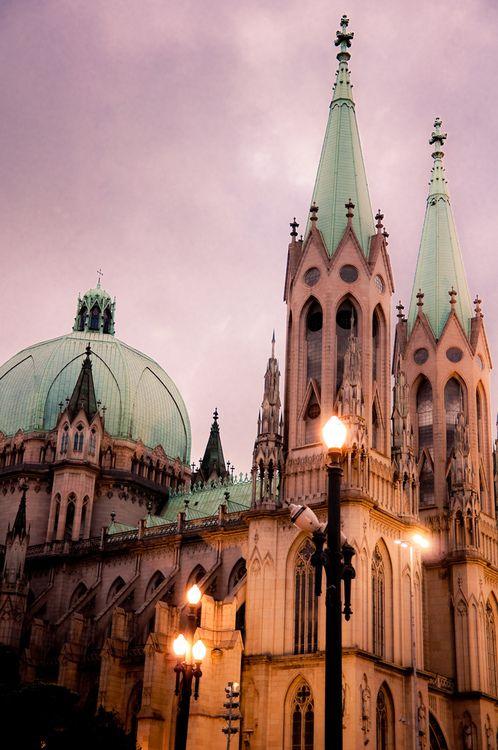 Catedral da Sé - São Paulo - (by Vismar R) - For more travel inspiration visit www.travelerhype.com #travel #saopaulo #brazil