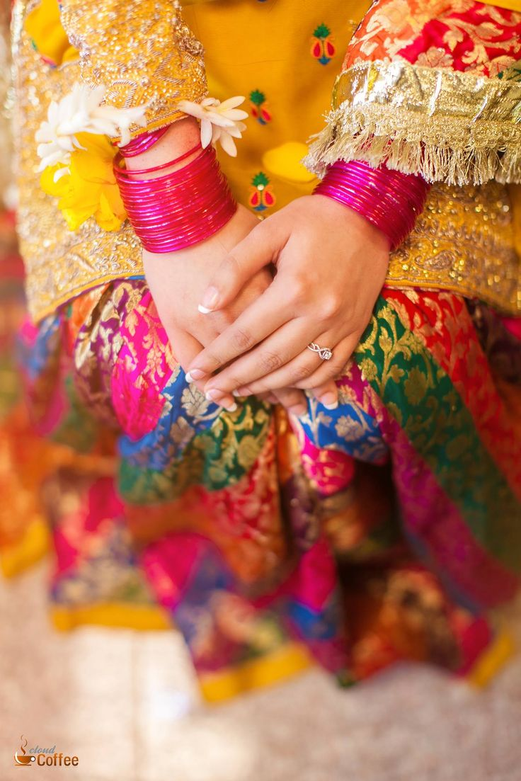 Pin mehndi and bangles display pics awesome dp wallpaper on pinterest - Coffee Cloud Photography