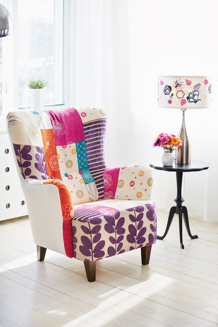 Finding decorative fabric that matches your expectation isn't always easy. Why not make your own personalized patterned fabric? The multi-colored Patch-Work Chair features many of the versatile embroideries that are included with the DESIGNER TOPAZ™ 50. Don't forget the gorgeous 7mm stitches that will add colorful dynamics to your sewing projects.