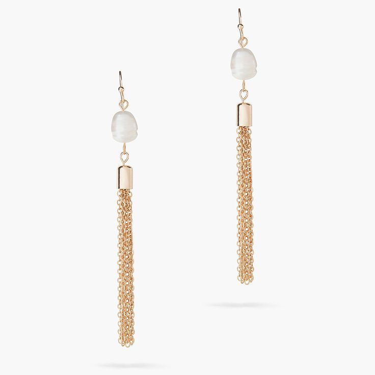 Our signature fringed jewellery is always romantic and statement-making. A beautiful choice, these gold-plated earrings feature chains that cascade from one single pearl.