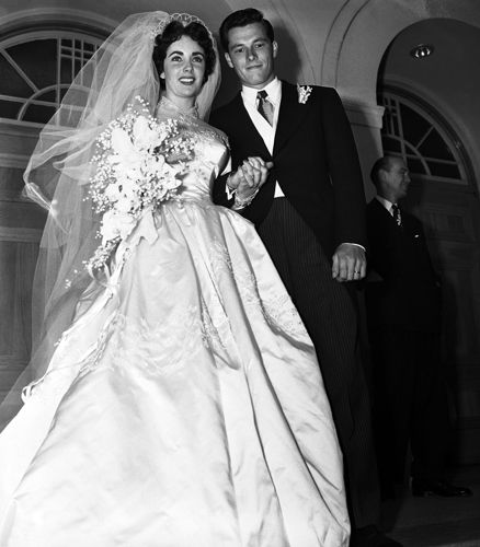 Matrimoni vintage 1950, Beverly Hills. Elisabeth Taylor con il primo di sette mariti: Conrad Hilton Jr.