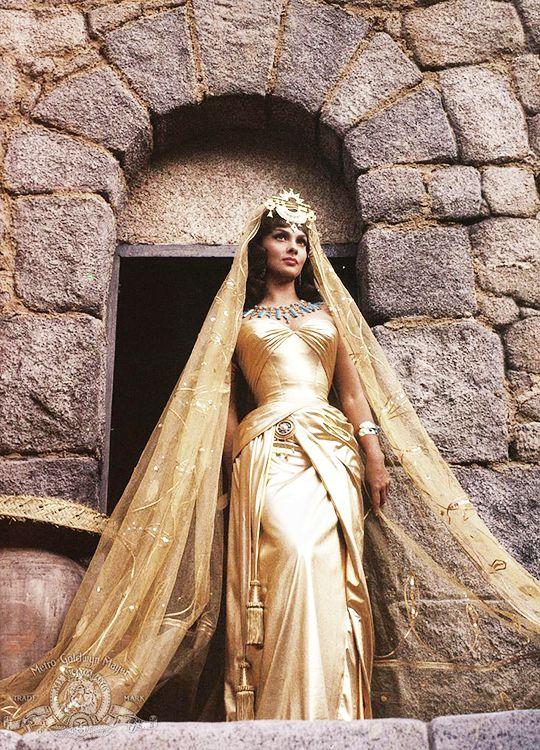 What Arianne would wear, Gina Lollobrigida in 'Solomon and Sheba' (1959).