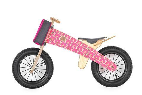 Dipdap Das Holzlaufrad Pink Bear In Aktion Leicht Wendig