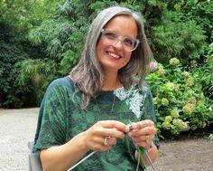 Video tutorial di Emma Fassio per chi vuole approciarsi al knitting ed apprendere le prime nozioni