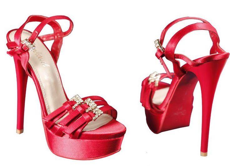 Открытые туфли на каблуке и платформе красного цвета