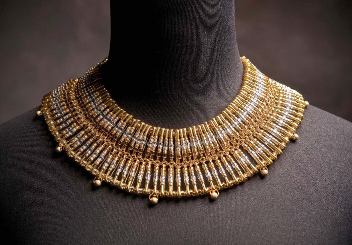 safety pin & seed bead necklace by diany perdomo at Coroflot. Can do this with head pins too.