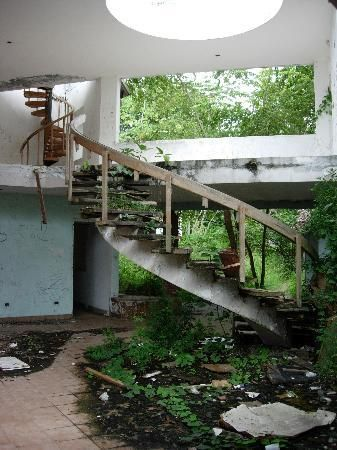 Noriega's Abandoned Beach House