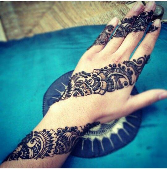 Nice Mehndi Patterns : Nice mehendi idea but i think d do the whole hand