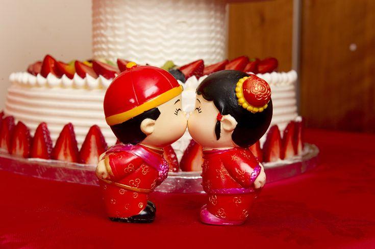 Golden Wedding Cakes Warrington