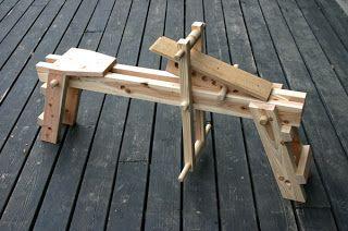 新しい木工・木育の学校 森林文化アカデミー: 携帯削り馬誕生!/ ultra-compact shaving horse