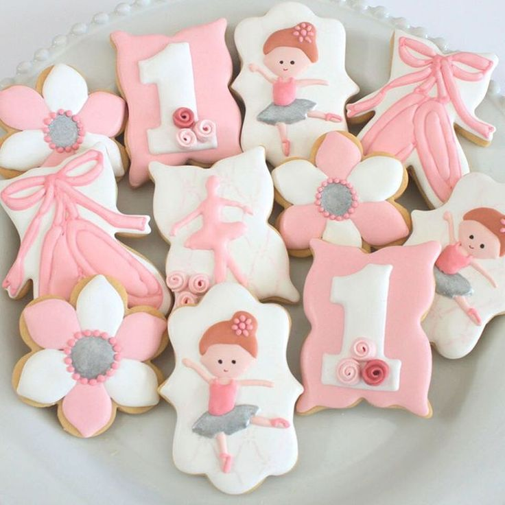 Cake Decorating Yarraville : 17 Best images about Dance Cookies on Pinterest Ballet, Sugar cookies and Ballerina