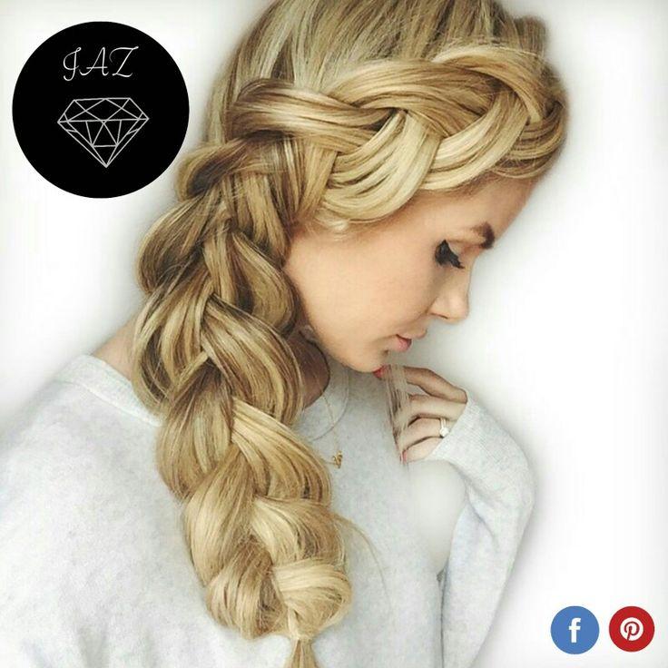 Perfecto porque repara el cabello contra el daño mientras moldea y finaliza el peinado que amas Crema para peinar JAZ