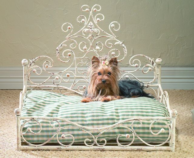 Old World White Iron Dog Pet Cat Bed Victorian Antique Scroll NEIMAN MARCUS,25'' #Unbranded