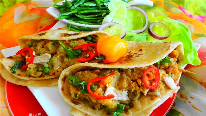 Surinaams eten – Roti Pom (Surinaams ovengerecht met Surinaamse roti)