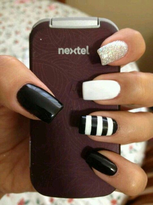 Black and white nail art, glitter nail, nail art, striped nails