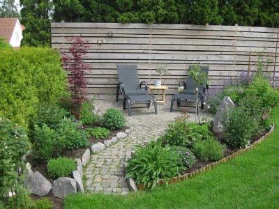 Hallontrollets trädgård: tips på något att göra mot grannarnas håll :)
