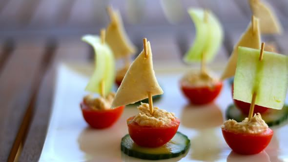 Tuna vegetable boats