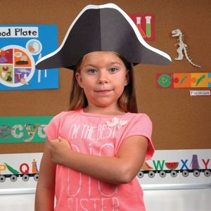 Die-Cut this clever George Washington Hat for anything from dramatic play to social studies lessons and patriotic themes.
