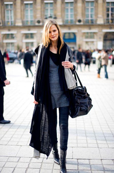 love her whole ensemble esp. her handbag