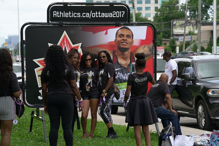 Andre De Grasse takes over the track in Ottawa with massive entourage Canada's fastest man is drawing sellout crowds at the Canadian Track and Field Championships, thanks in part to 30-40 family and close friends who have made the trip to watch him run