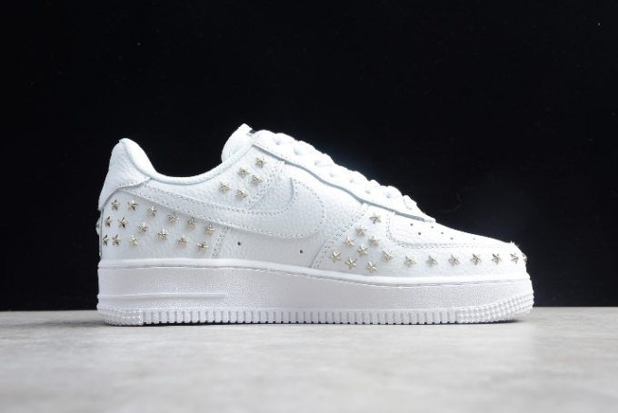 size 40 38146 89a6d Buy Wmns Nike Air Force 1 Low Star-Studded White Silver AR0639-100-1